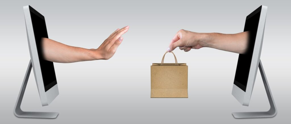 An online buyer rejecting a sale from an e-commerce seller.